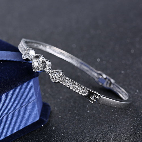 Silver Rhinestone Heart Bangle