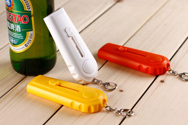 Super Creative Flying Cap Beer Bottle Opener Cap Launcher With Key Ring