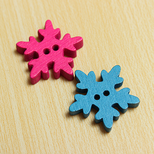 100pcs Wooden Snowflake Flowers Buttons Sewing DIY Craft 2 Holes