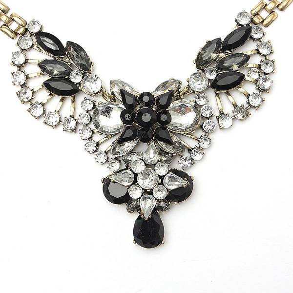 Crystal Rhinestone Flower Fan Statement Necklace Metal Chain Choker