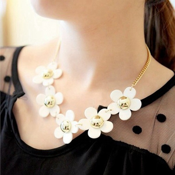 White Daisy Flower Beads Alloy Chain Choker Necklace Women Jewelry