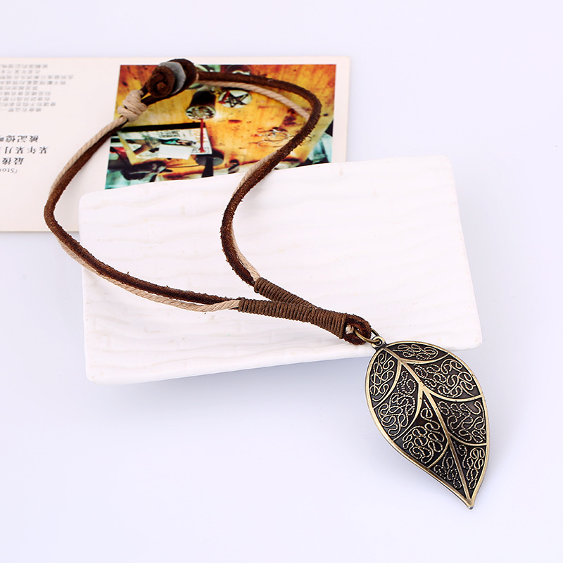 European Genuine Leather Leaf Charm Vintage Retro Punk Men Necklace Chain