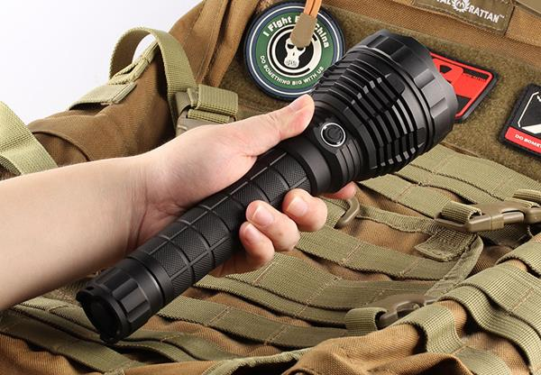 Convoy L6 XHP70 3800LM Super Bright Long Range LED Flashlight