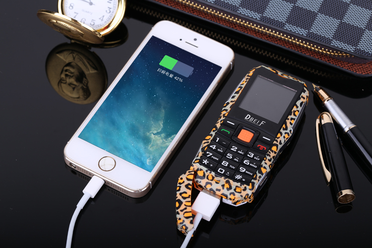 DBEIF F7 1.44'' 2000mAh Flashlight Power Bank FM MP3 Dual Sim Long Standby Mini Feature Phone