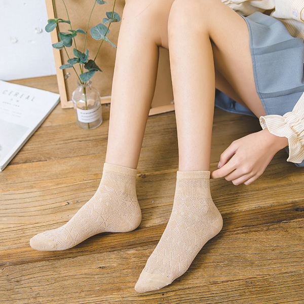 Women Mesh Harajuku Rhombus Breathable Middle Tube Socks