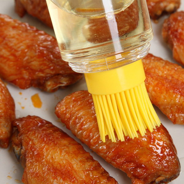 Kitchen BBQ Brushes Bakeware Tools High Temperature Resistant With Oil Bottle Silicone Brush