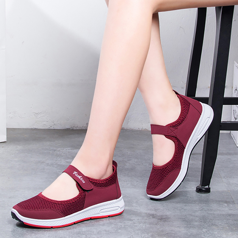 Women Soft Elastic Flats Breathable Mesh Middle-aged Mother Sandals Hiking Casual Cloth Shoes