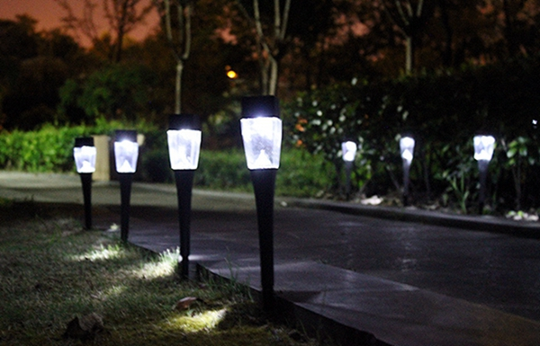 0.8W Solar Powered Plastic Outdoor Garden LED Landscape Light Path Lawn Yard Lamp