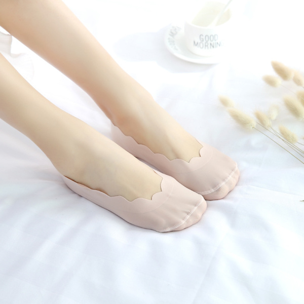 Women Girls Ice Silk Silicone Invisible Antiskid Boat Socks Summer Breathable Solid Low Cut Hosiery