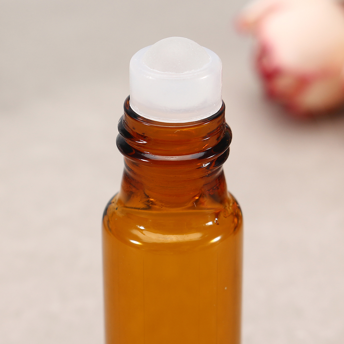10pcs 5ml Amber Roll On Bottles Portable Essential Oils Liquid Perfume Container With Pendant