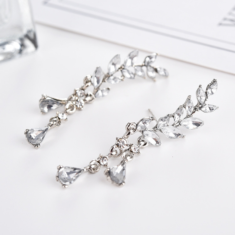 Sweet Leaf Rhinestone Tassel Crytral Earrings for Women
