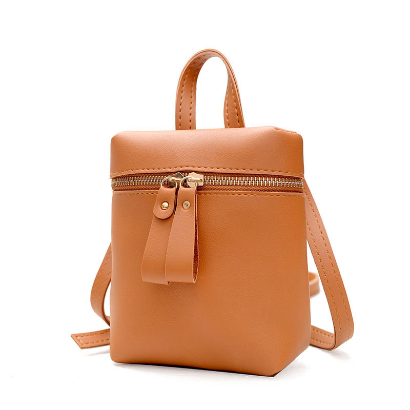Specification: Style: Phone Shoulder bag Size: 19 x 15 x 6cm Weight: 250g Material: PU Leather Shoulder Belt: Adjustable Open Cover Method: Zipper Package Included: 1 x bag Notice: 1.Size may be 1-4cm error. 2.Color may be little different. More derails: #purse
