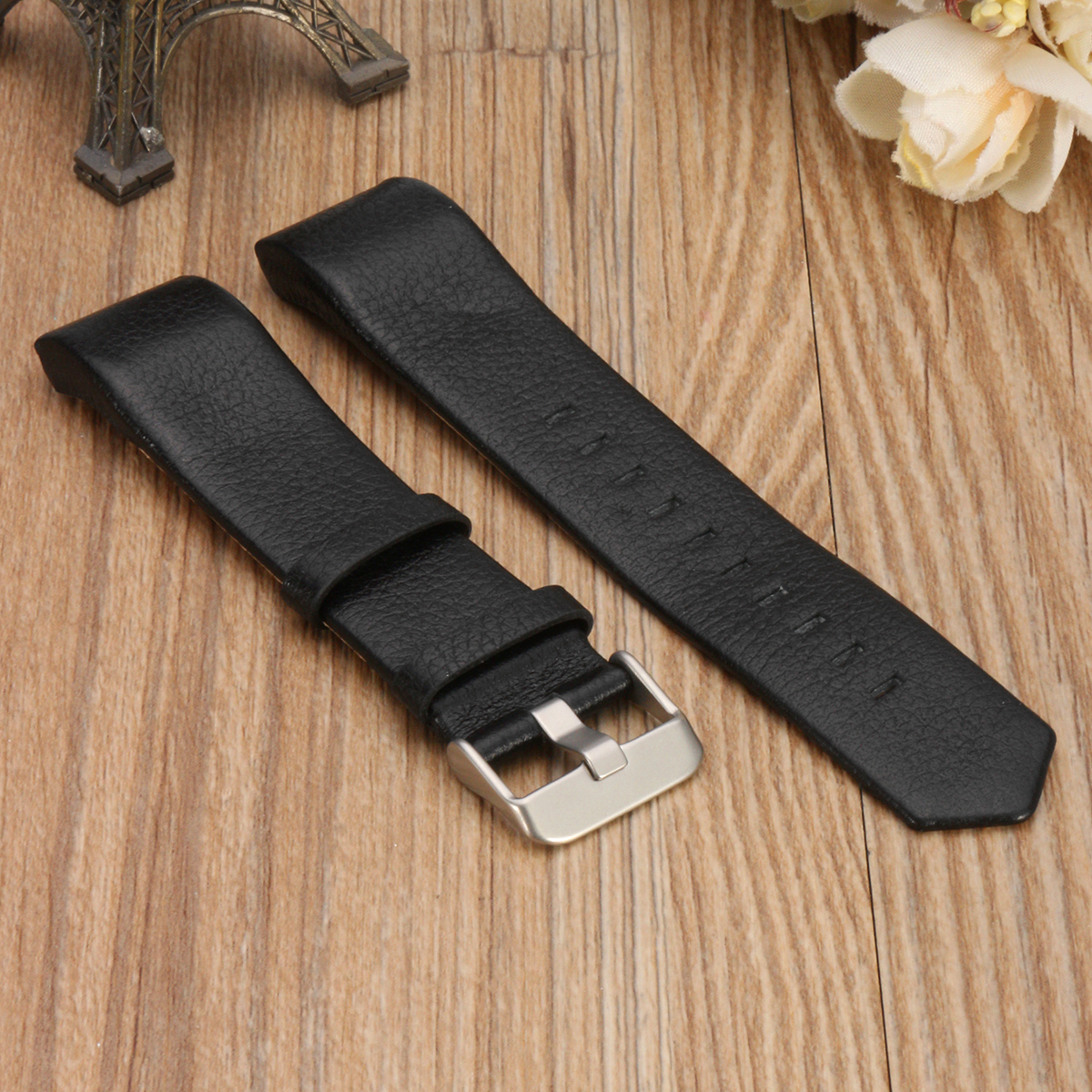 Replacement Sports Soft Durable Leather BraceleT-strap Band Watch Band for Fitbit Charge 2