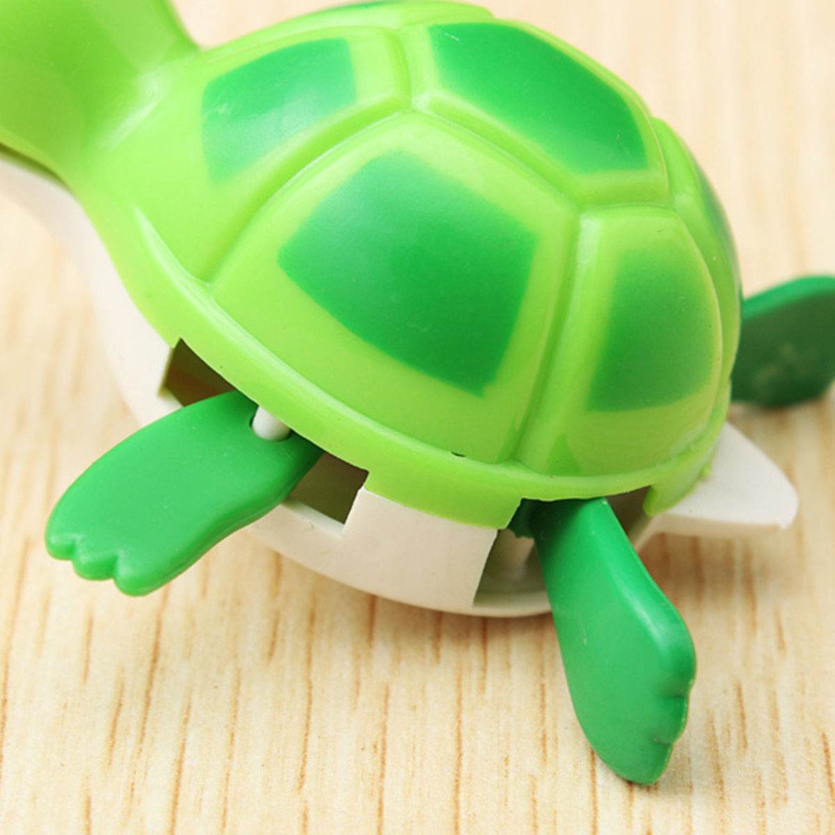 Cute Wind-Up Water Pool Bath Diver Plastic Toy Swimming Baby Kids Bath Toys