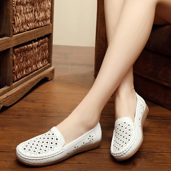 Hollow Out Women Flat Shoes Slip On Soft Loafers
