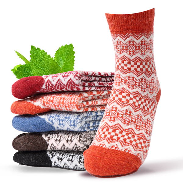 Womens Vintage Winter Warm Middle Tube Socks