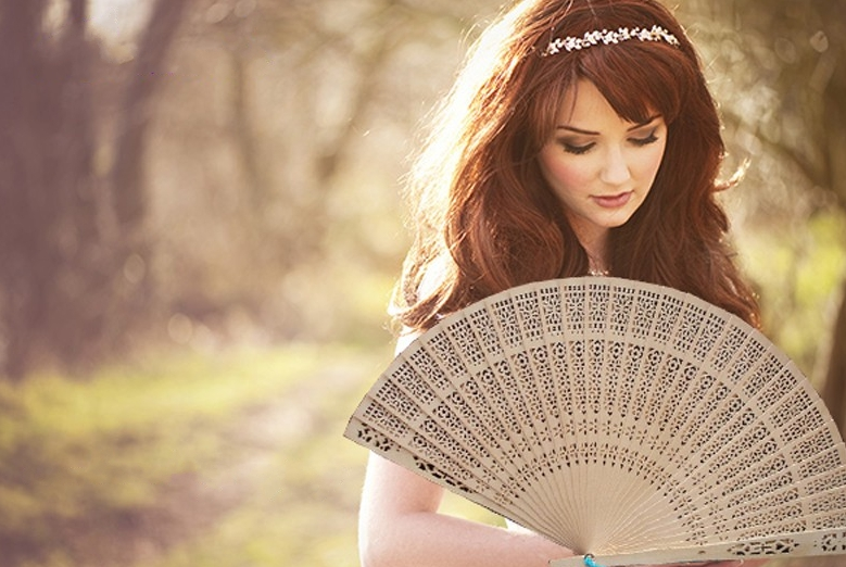 New Summer Vintage Folding Bamboo Wooden Carved Hand Fan Wedding Bridal Party