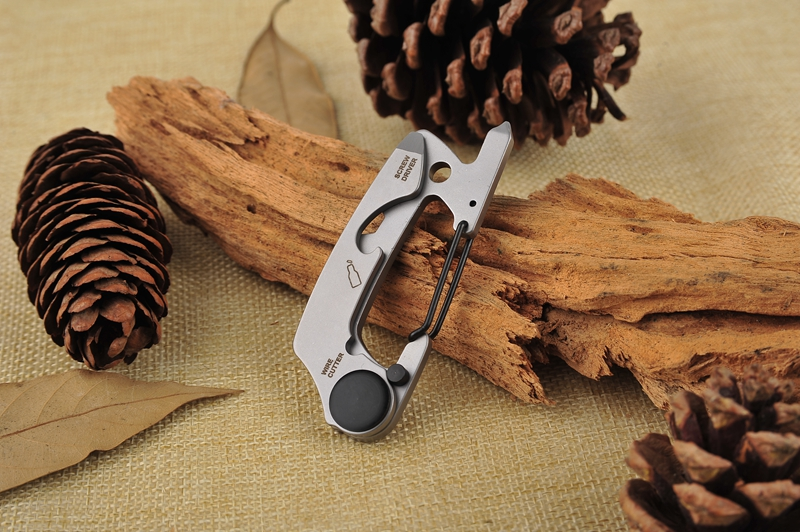 EDC Multi-function Camping Buckle Portable Key Ring Mountaineering Survival Gadgets
