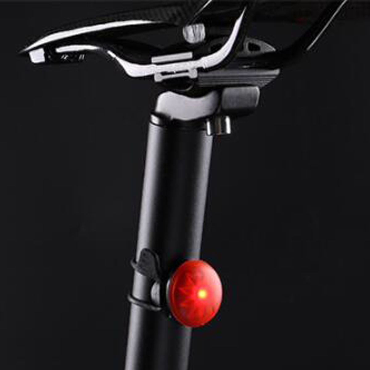 WHeeL UP 600LM Bicycle Light Set Cycling Bike Light Tail Light Set USB Rechargeable IPX4 Waterproof