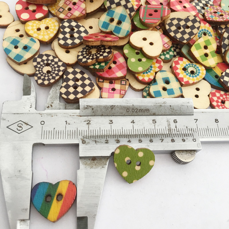 100pcs 3 Size Heart Shape Wooden Buttons DIY Handcraft Sewing Buttons Washable Colorfast Buttons
