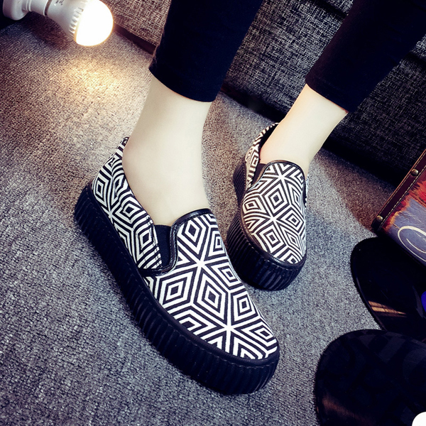 Women Casual Canvas Shoes Slip On Comfortable Fashion Flat Loafers