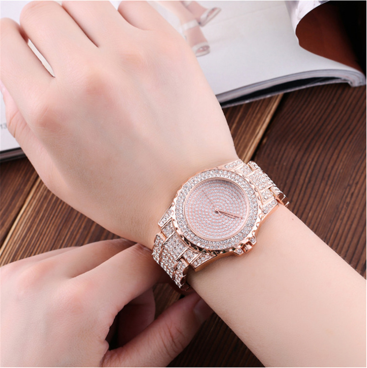DEFFRUN Luxury Ladies Bling Watches Fashion Diamond Rhinesto
