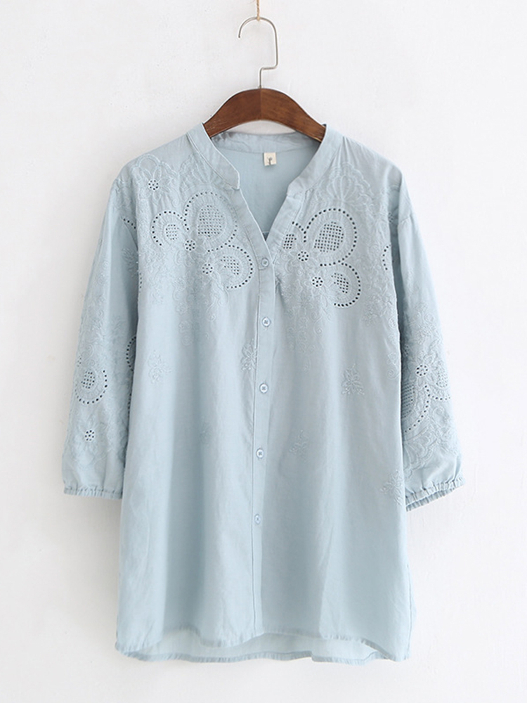 Vintage Embroidery V-neck Buttons 3/4 Sleeve Blouse