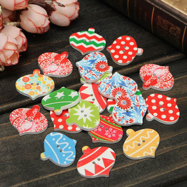 Christmas Wooden Sewing Buttons DIY Craft Purse Baby Clothes Sewing Button Specification: Material: wood Size:2.5x2.5cm(0.98x0.98inch) Color: random Pattern: bear, heart, bone, star, butterfyl, car, mixed pattern Feature: Great for children knitting sewin #purse