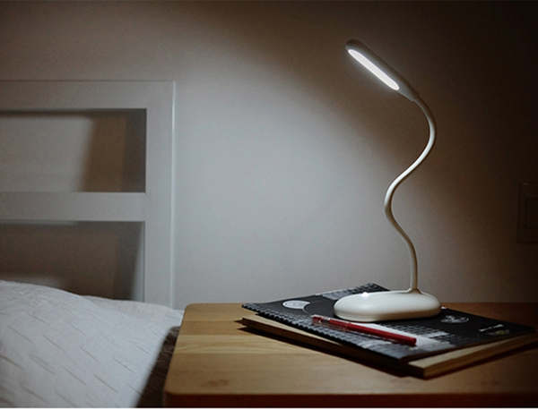 Portable Flexible 3W LED Dimmable Table Light Eye Protection Rechargeable Study Reading Lamp