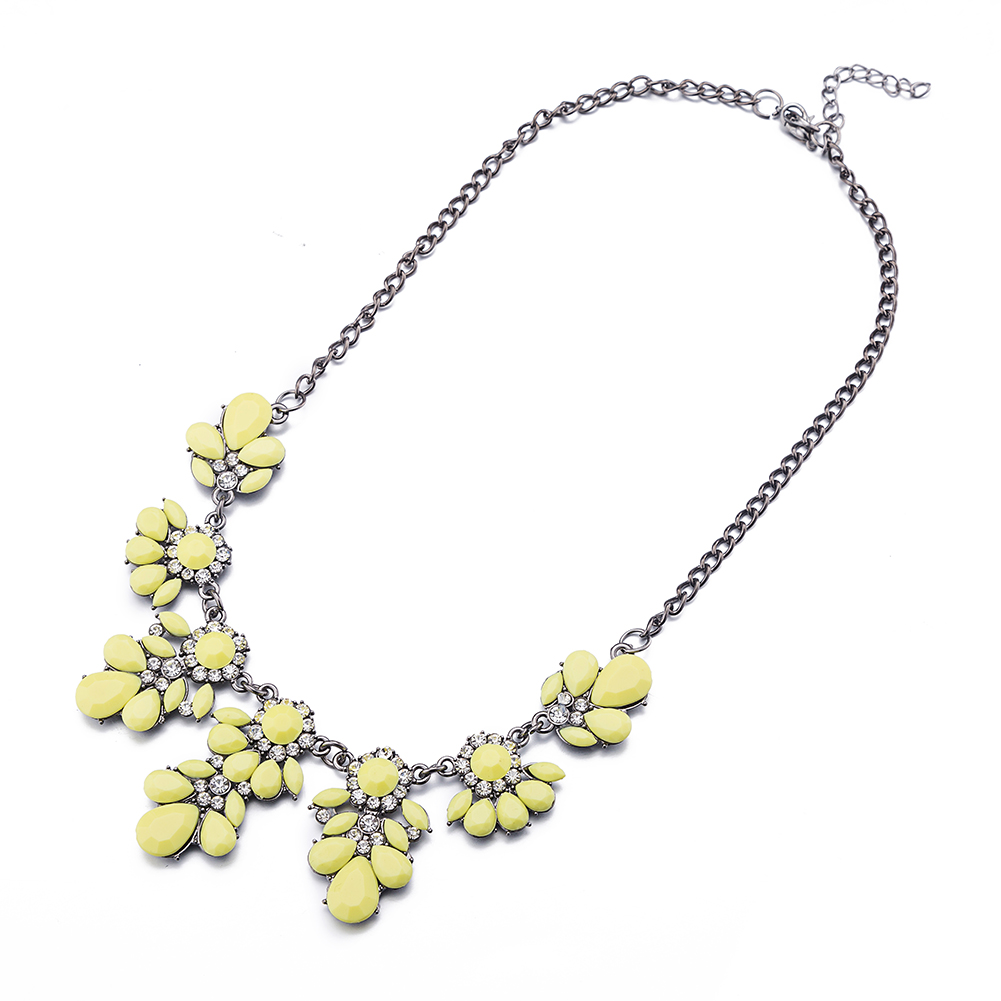 Yellow Resin Flower Stylish Collar Necklace Drop Shape Decor