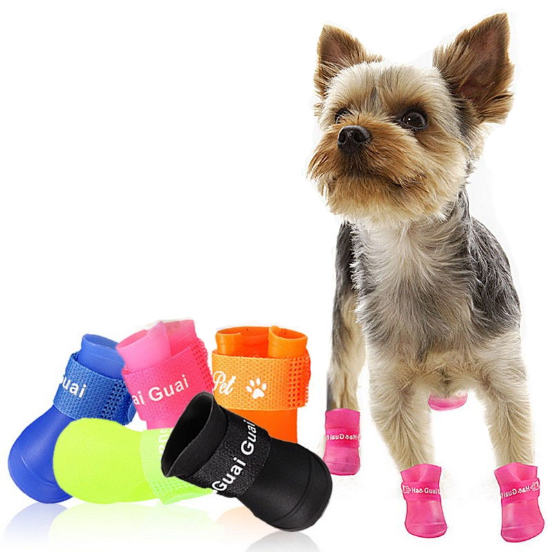 4Pcs / Lot Pet Dog Raining Shoes Waterproof Pet Shoes for Dog Puppy Colorful Rubber Boots Portable Durable Puppy Shoes Pet Suppliers