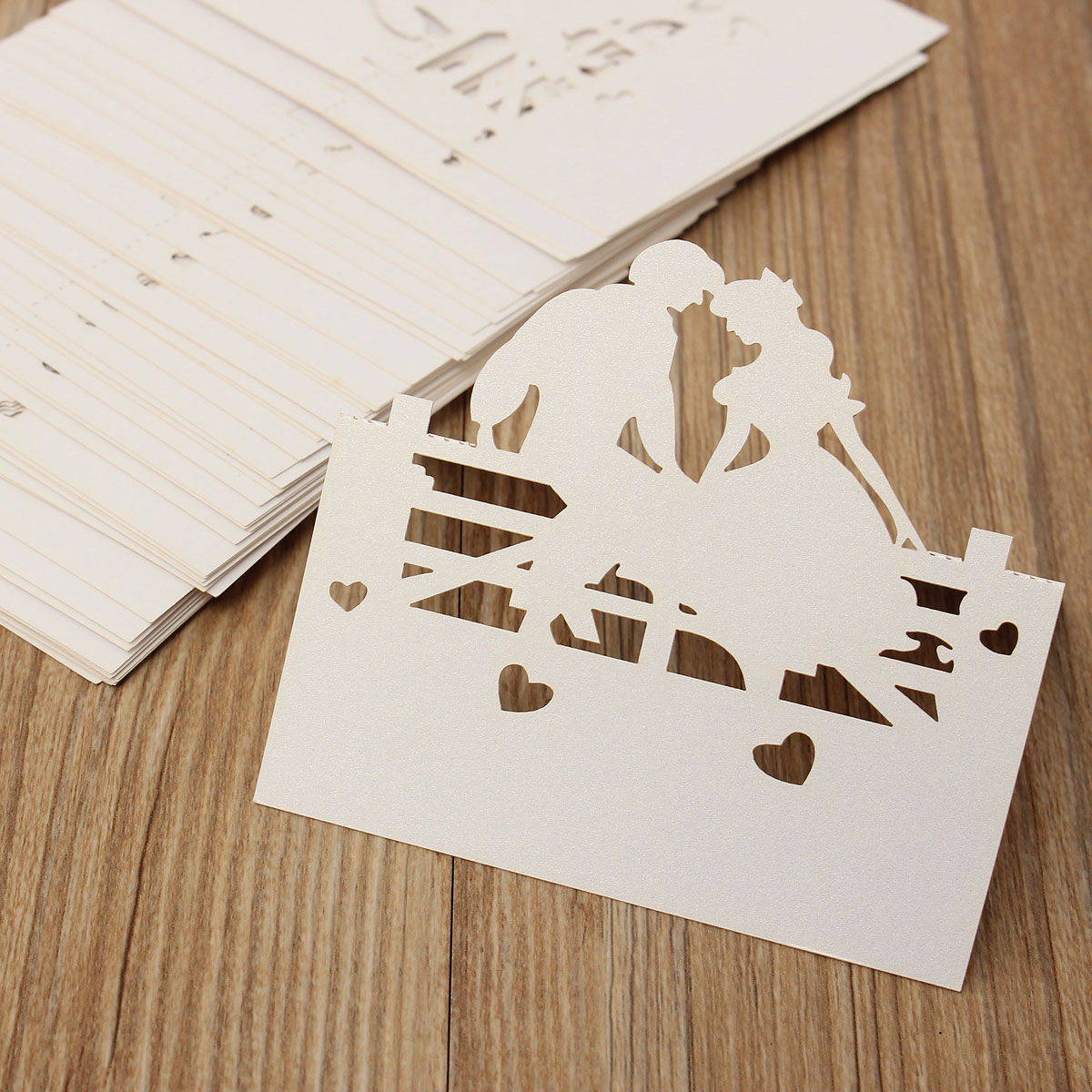 50Pcs Couple Table Name Place Cards Laser Cut Pearlescent Card Wedding Party Favors Accessories