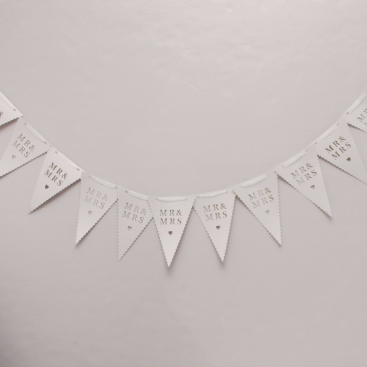 MR & MRS Triangle Shape Wedding Banner Confetti Garland Party Home Bunting Supplies