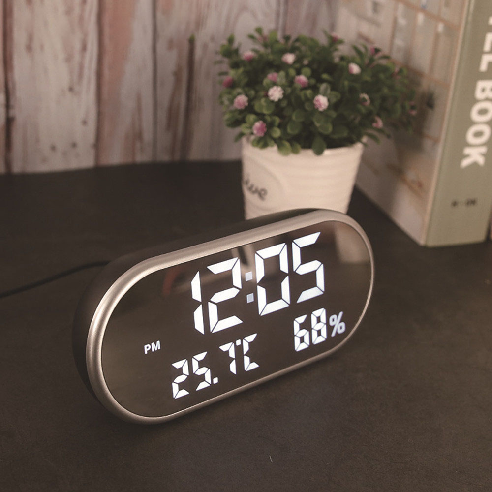 Digital USB Alarm Clock Portable Mirror HD LED Display with Time Humidity Temperature Display Function USB Port Charging Electronic Hygrometer Clock Phone Charging Mute Clock for Home Decoration