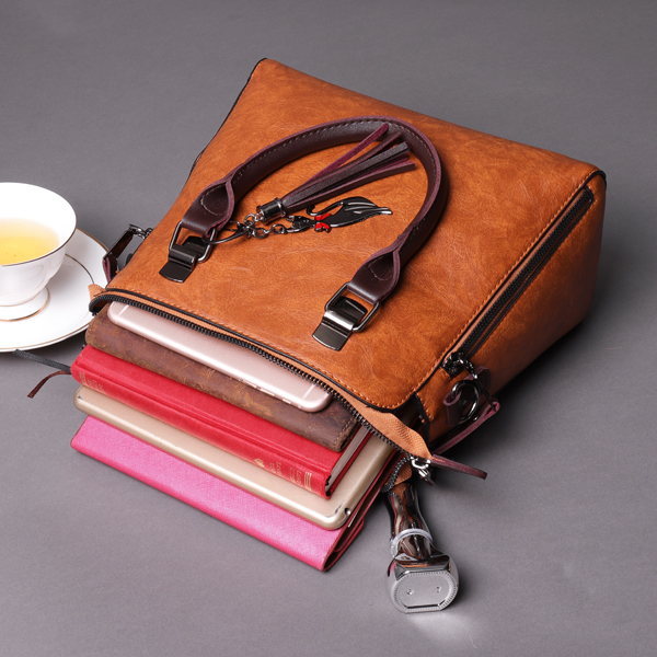 Vintage Retro Oil Leather Handbag Crossbody Bag For Women