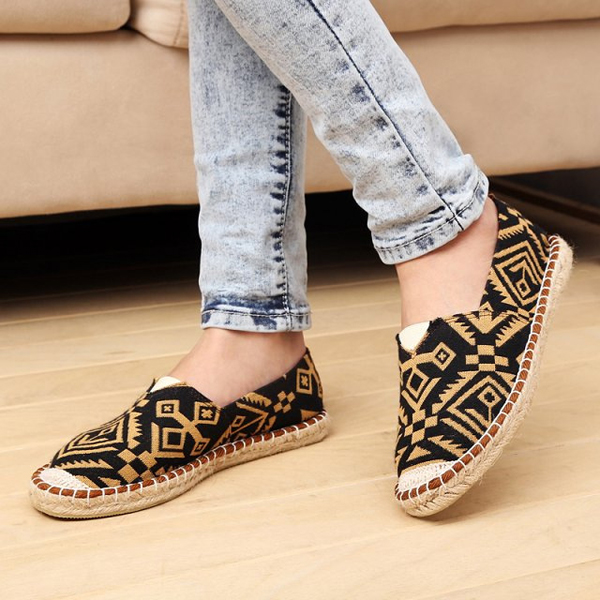 Women Casual Flat Breathable Knitting Cotton Outdoor Slip On Loafers Shoes