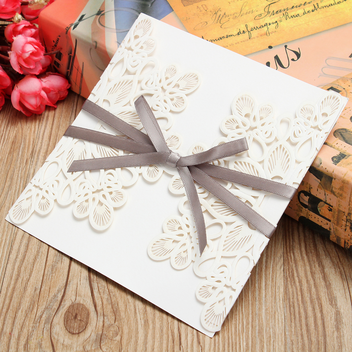 1 Pcs Laser Cut Hollow Out Bowknot Ribbon Wedding Evening Invitations Cards Envelopes Seals