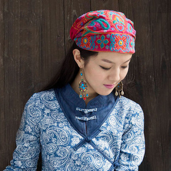 Women Ethnic Flowers Embroidery Beanie Hat