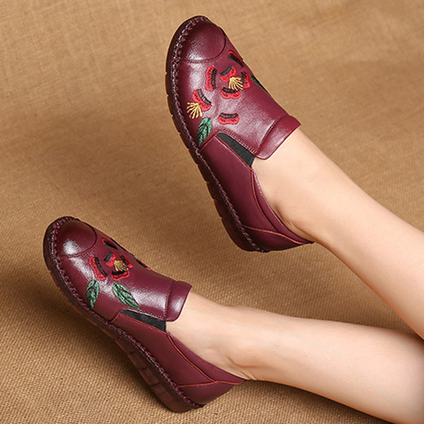 Leather Embroidered Flat Shoes