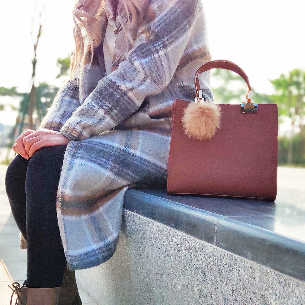 Women Fur Ball Handbags Shoulder Bags Leisure Crossbody Bags