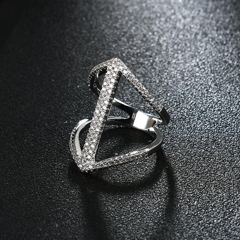 Women's Elegant Ring Arrow Full Zircon Ring