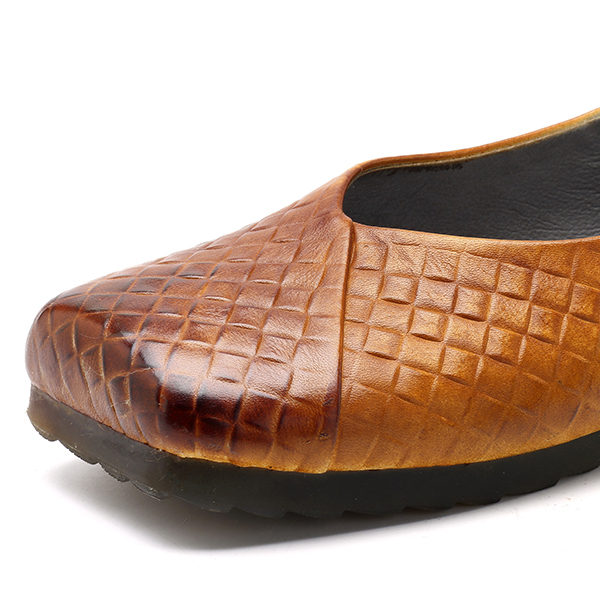 SOCOFY Retro Outdoor Slip On Leather Flats