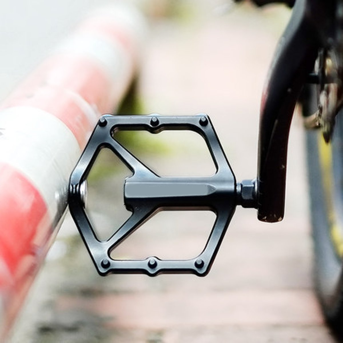 BIKIGHT Aluminum Alloy Bike Pedals Black Cycling Pedals BMX MTB Flat Platform Bicycle Accessories