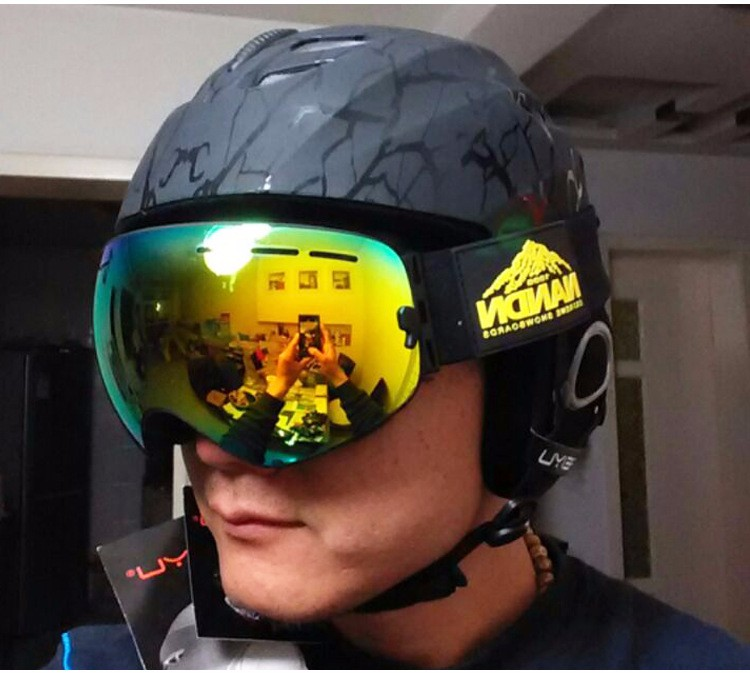 FeiYu Breathable Ultralight Skiing Helmet CE Certification Snowboard Skateboard Helmet Men Women