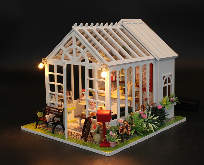 Hoomeda M028 Cake Shop House DIY Dollhouse With Music Light Cover Miniature Model Gift Collection