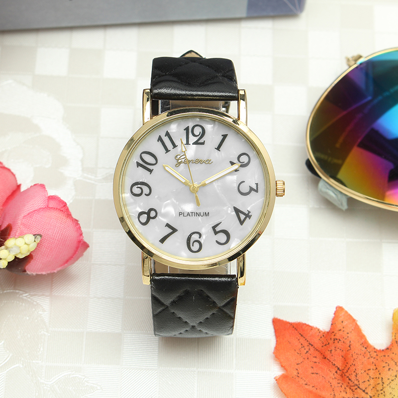 Casual Fashion Diagonal Plaid Band Gold Color Case Watch
