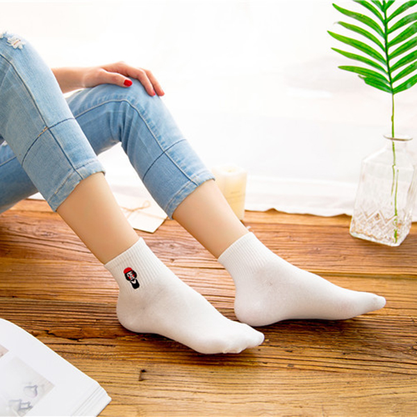 Women Cute Cartoon Embroidery Harajuku Style Socks Couple Casual Breathable Short Sock