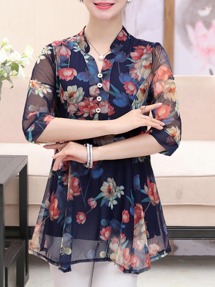 Elegant Floral Print V-neck Half Sleeves Blouse