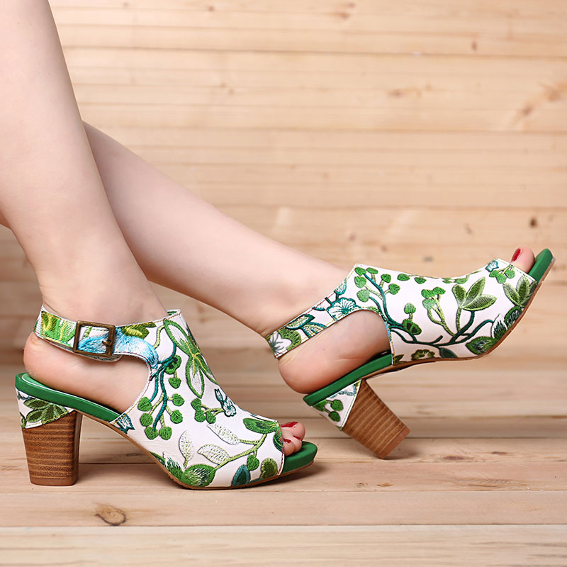 SOCOFY Handmade Flowers Hook Loop Leather Heeled Sandals