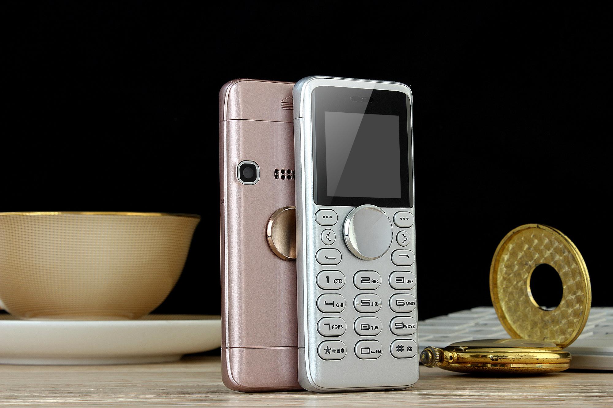 Q308 1.3 Inch 400mAh bluetooth SOS Dual SIM Light Spinner Finger Gyro Reduce Stress Phone